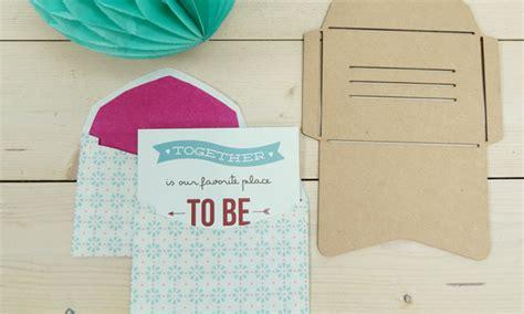 diy sobres decorados crea tus propios sobres de carta para decorar la mesa de