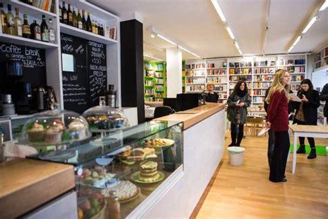 librerie di firenze cinema libreria e caffetteria si inaugura lo spazio