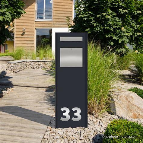 standbriefkasten mit hausnummer edelstahl stele pylon mit briefkasten folienplott