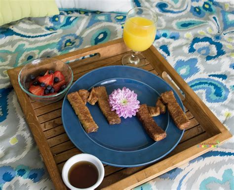 cute and easy mother s day breakfast in bed idea
