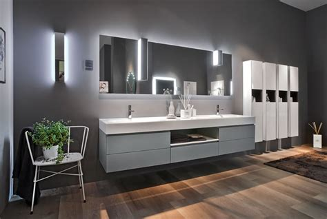 Vanité Contemporaine by Artlinea Glass Finish Vanity Units Concept Design