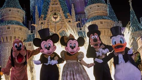 new years walt disney world spend new years with disney parks live