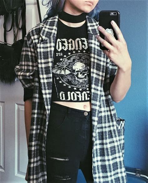 Rock Chic Biker Meets Beatnik In Lace And Leather by 25 Best Ideas About Grunge On 90s