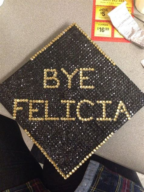How To Decorate Cap And Gown by Best 25 Grad Hat Ideas On Graduation Hats