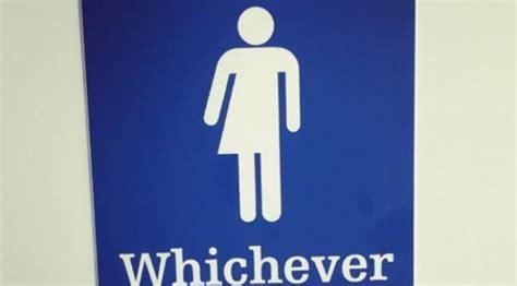 Stiker Khusus Pintu Toilet Unik Lucu Pria Dan Wanita 15 Toilet Umum Ini Bedakan Pria Dan Wanita Dengan Simbol