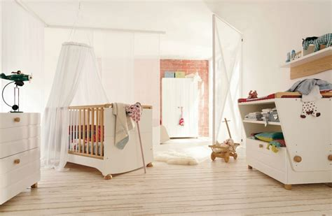 chambre bebe blanche chambre bebe blanche grossesse et b 233 b 233