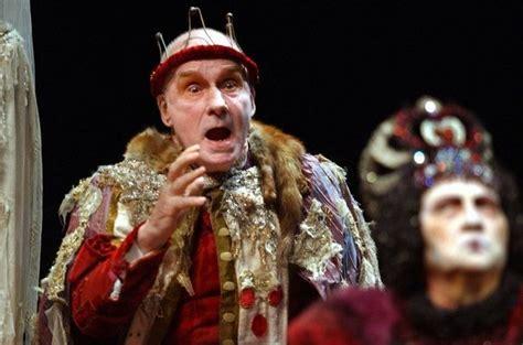 michel bouquet le roi se meurt une rentr 233 e th 233 226 trale cinq 233 toiles constell 233 e de t 234 tes d