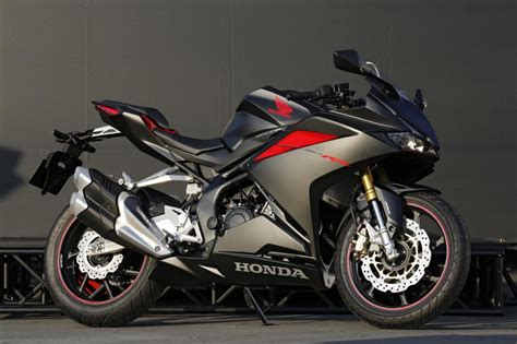 honda cbr 250 does the honda cbr250rr live up to its r