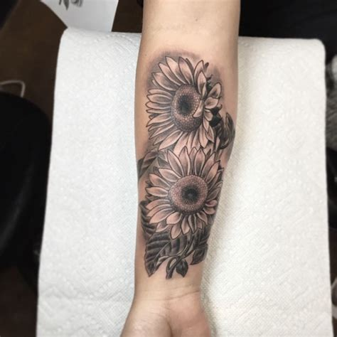 sunflower arm tattoo 40 fantastic sunflower tattoos that will inspire you to