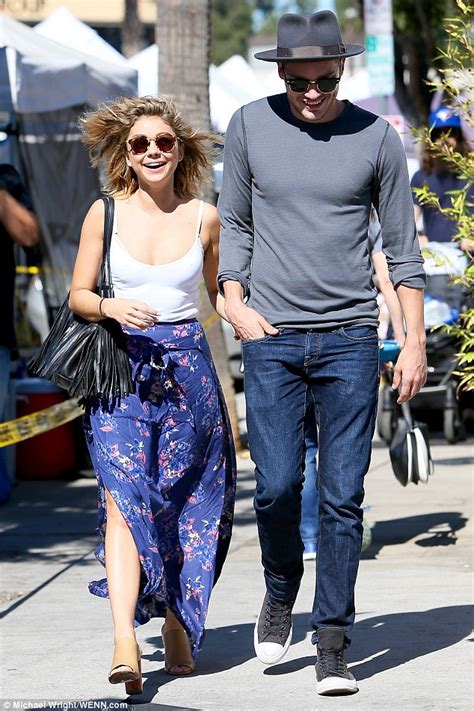 sarah hyland takes out her sarah hyland cuts a chic figure with boyfriend dominic