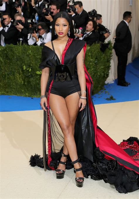 Vma Red Carpet Photos by Met Gala 2017 Hairstyles Amp Celebrity Looks Pretty Hairstyles