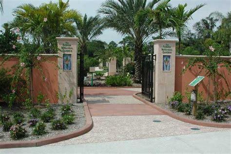 Signage Design By Zoom Design Of Largo Florida Florida Largo Botanical Gardens