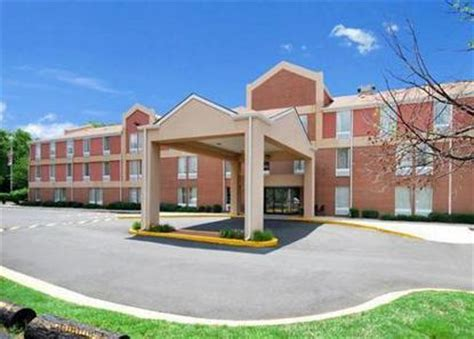 comfort inn clinton comfort inn clinton clinton deals see hotel photos
