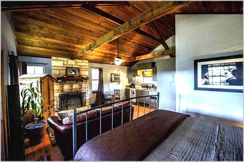 Wimberley Bed And Breakfast Cabins by Lodging In Wimberley Guide To Bed And Breakfast Rooms