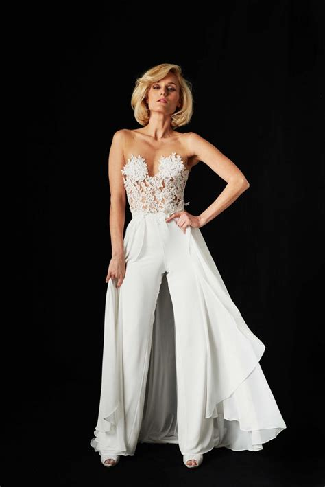 Wedding Dress Jumpsuit by 25 Wedding Jumpsuit Ideas On Rehearsal