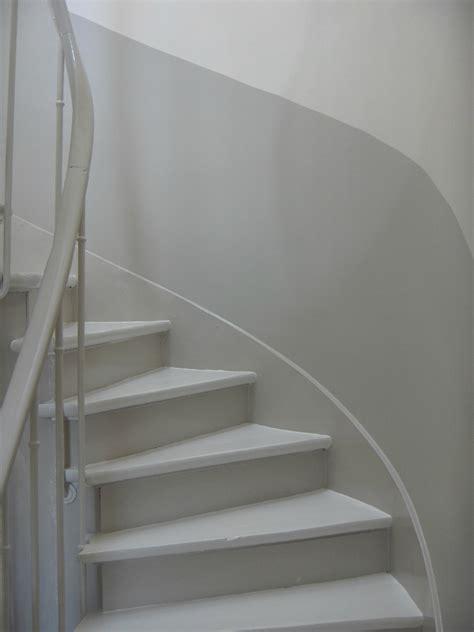 Peindre Une Cage D Escalier Quelle Couleur by Avant Pendant Apr 232 S De La Cage D Escalier La