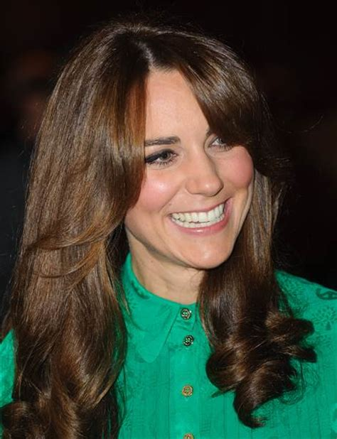 haircuts in cambridge uk duchess kate gets bangs check out the royal s new