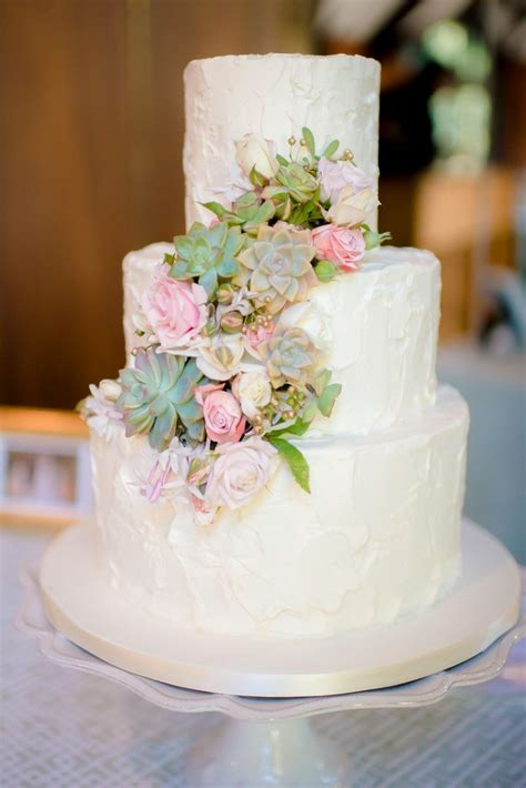 Wedding Cake With Succulents by 25 Best Ideas About Succulent Wedding Cakes On