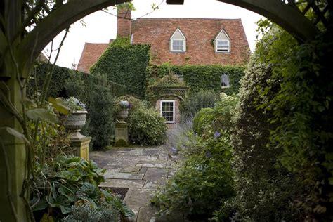 Folio Garden by Garden Folio Simon Griffiths Photography