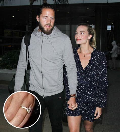 margot robbie ring margot robbie s engagement ring see the first photo