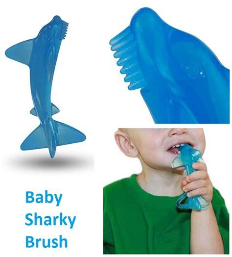 Mainan Baby Shark jual gigitan bayi baby sharky brush tokoherbalspm