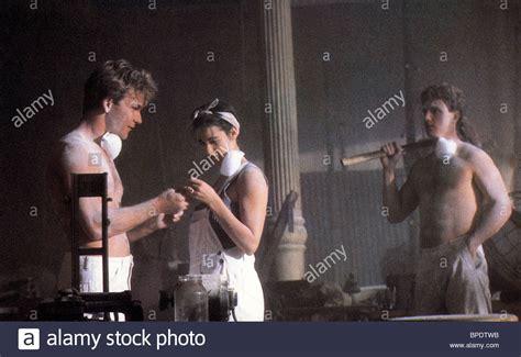 ghost film entier en francais patrick swayze patrick swayze demi moore tony goldwyn ghost 1990 stock