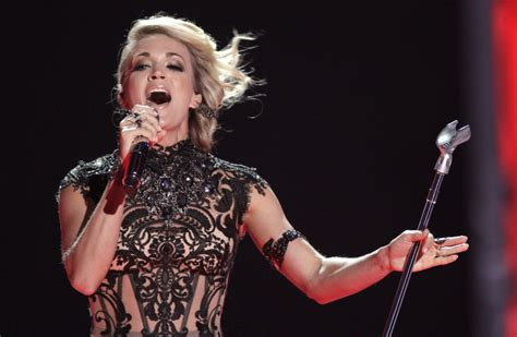 carrie underwood play on song mp sunday night football getting new theme song toronto star