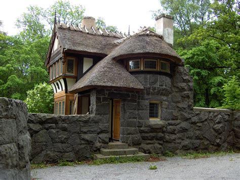 cool houses com lite bilder