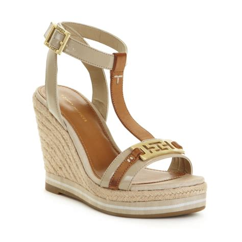 Hilfiger Wedges hilfiger daisie espadrille wedges in brown safari