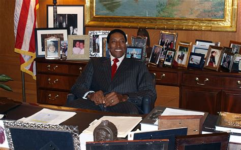 Office Of The Mayor by Scottie Pippen Honored By Chicago Mayor S Office The