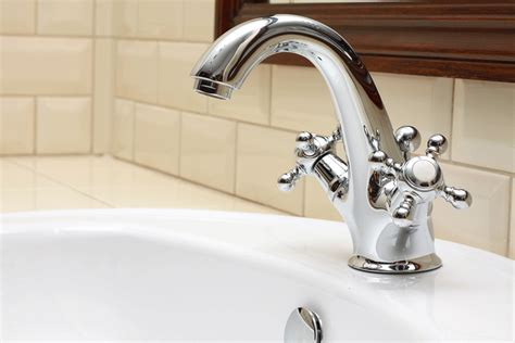 replace bathtub fixtures replace leaky bathtub faucet 171 bathroom design