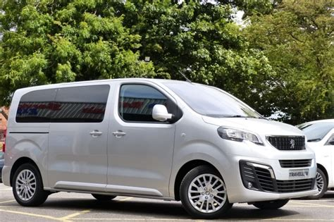 peugeot traveller cer used peugeot traveller active 1 6 e hdi 115 bhp 8 seat