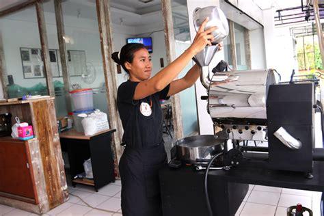 Mesin Roasting William mesin roasting dari bali ini sudah dieksport ke swiss cikopi