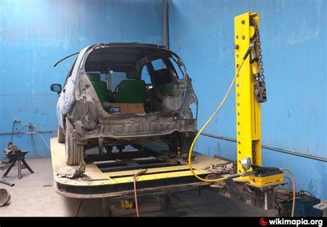 Cat Oven Mobil bengkel ag medan bengkel asuransi mobil auto repair specialist cat oven car o liner