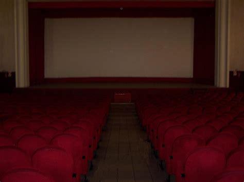 Home Cinema Moderno by Fotocinema Cinemamoderno