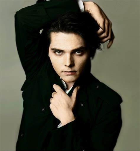 young gerard way the shape of gerard way face when he was 96 best images about gerard way black hair on pinterest