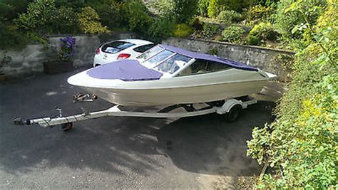 bowrider speed boats for sale uk bayliner capri bowrider speed boat 19ft 3l mercruiser