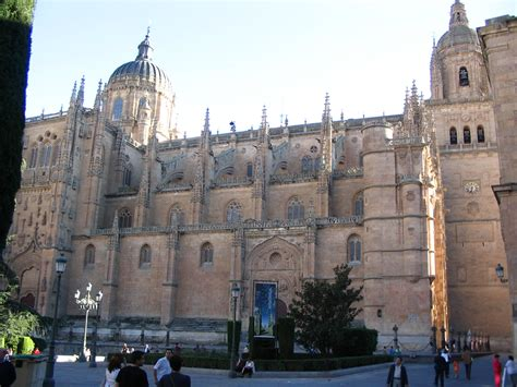 catedrales de espaa catedral salamanca astronauta pics about space