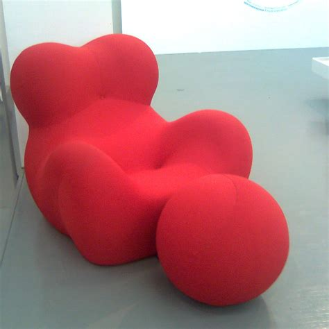 gaetano pesce poltrona up 5 and 6 the quot donna quot chair and ottoman designed by