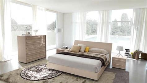 letto centro stanza posizionare il letto al centro della stanza