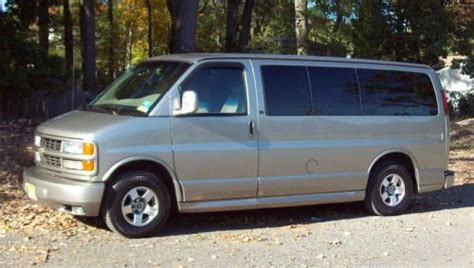 chevrolet express luxury purchase used 2001 chevrolet express lt luxury 7 passenger