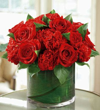 roses centerpieces arrangements bridal bouquet the knuckleheaded newlyweds