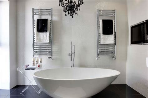 Black And White Bathroom Towels by 20 Bathroom Towel Designs Decorating Ideas Design
