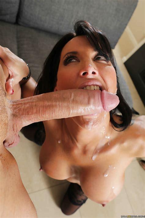 Cumshot Scene Reveals latina Milf Lezley Zen Sucking big cock