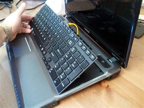 replace toshiba satellite   keyboard