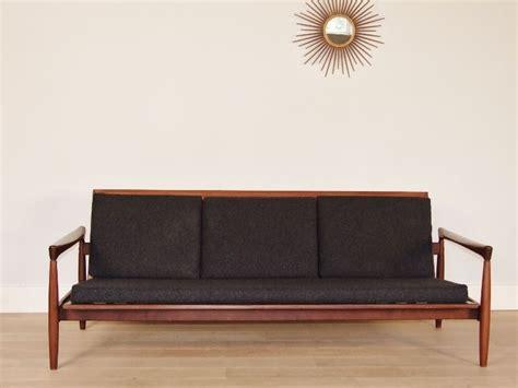 canapé en teck design scandinave banquette