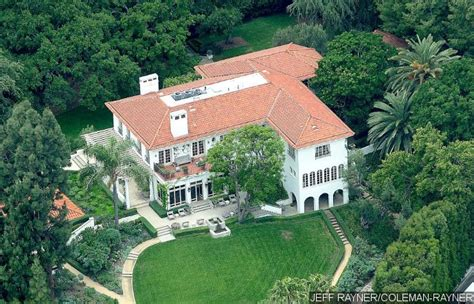 angelina jolie mansion angelina jolie buys new home daily gossip