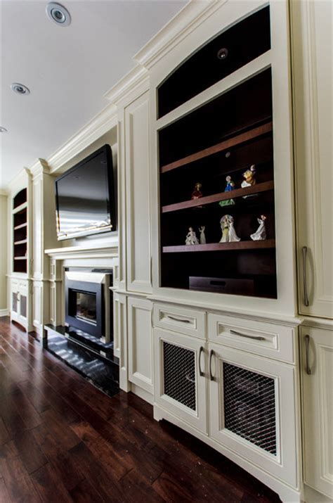 Fireplace/ TV wall unit   Traditional   Living Room