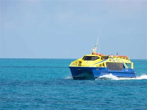 mini boats cancun things to do in cancun
