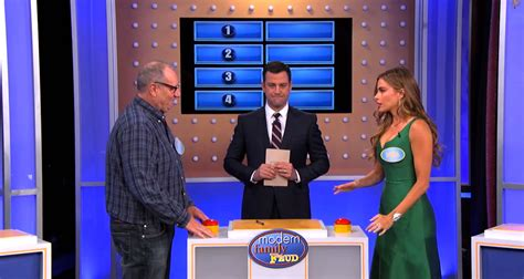 Modern Family Played Family Feud Vulture What Is A Family Feud